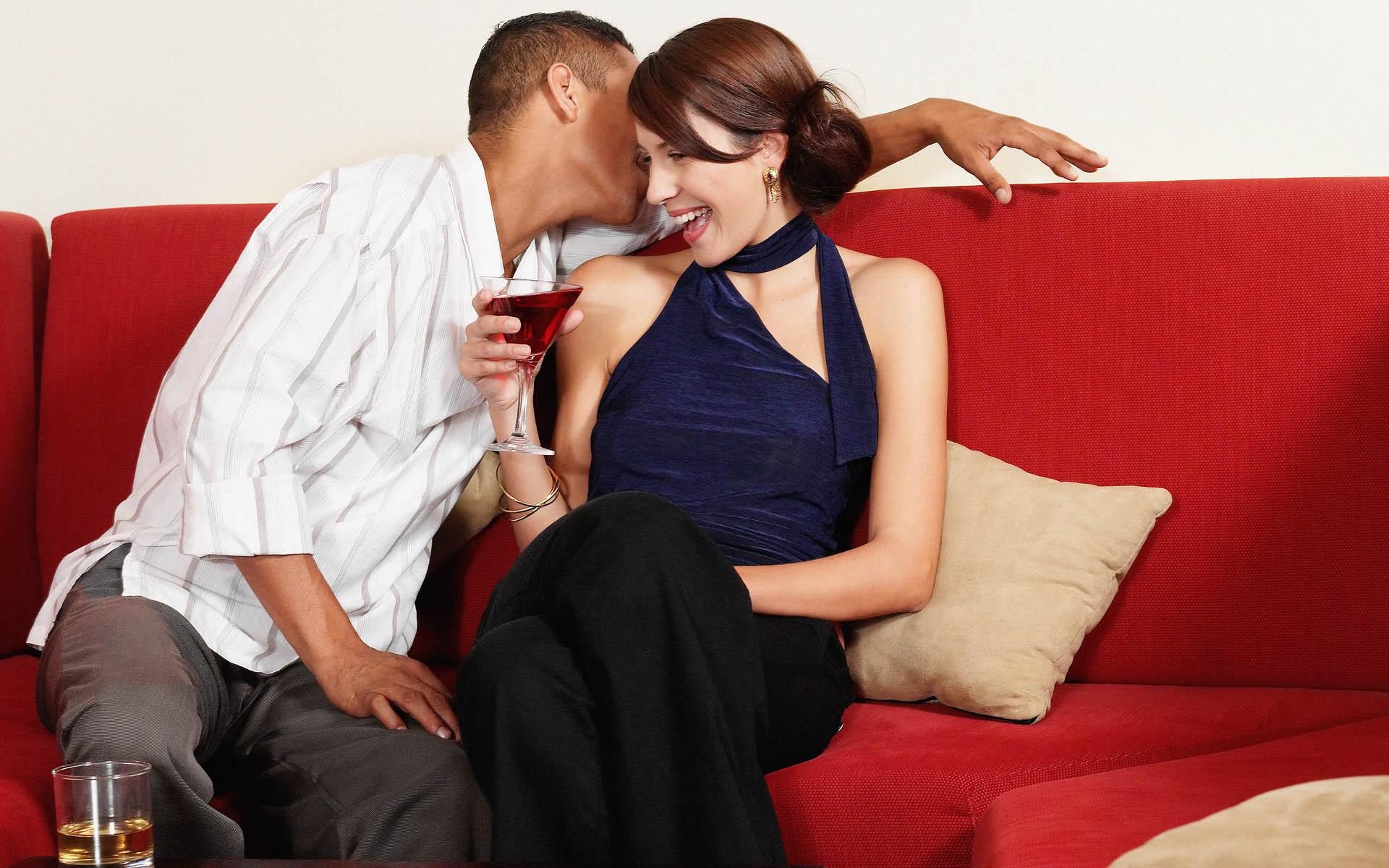 Соблазнила подругу онлайн, Лесбиянка соблазнила лучшую подругу 12 фотография