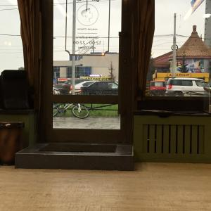 Вид на дверьку, с обратной стороны)