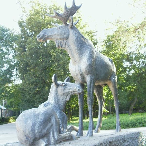 """Скульптура """"Лоси"""" (на входе со стороны ул. Спортивной)"""
