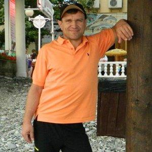 Владимир Тихов