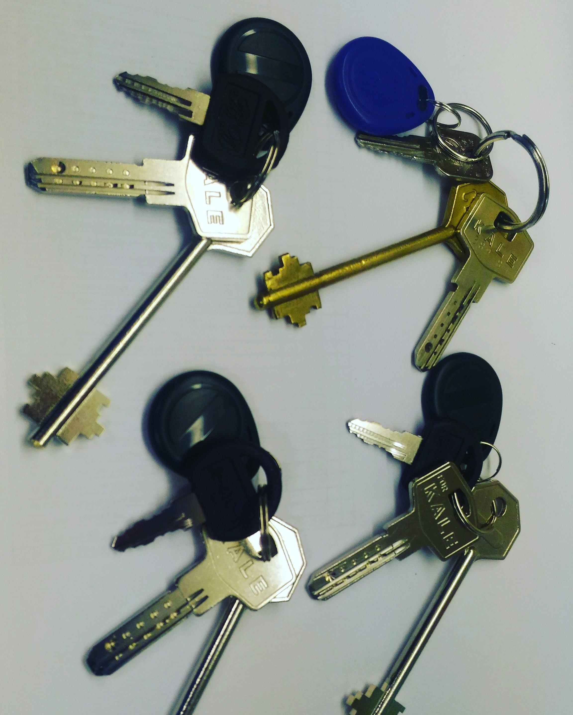 может ли мастер сделать ключ по фотографии она передается несущую