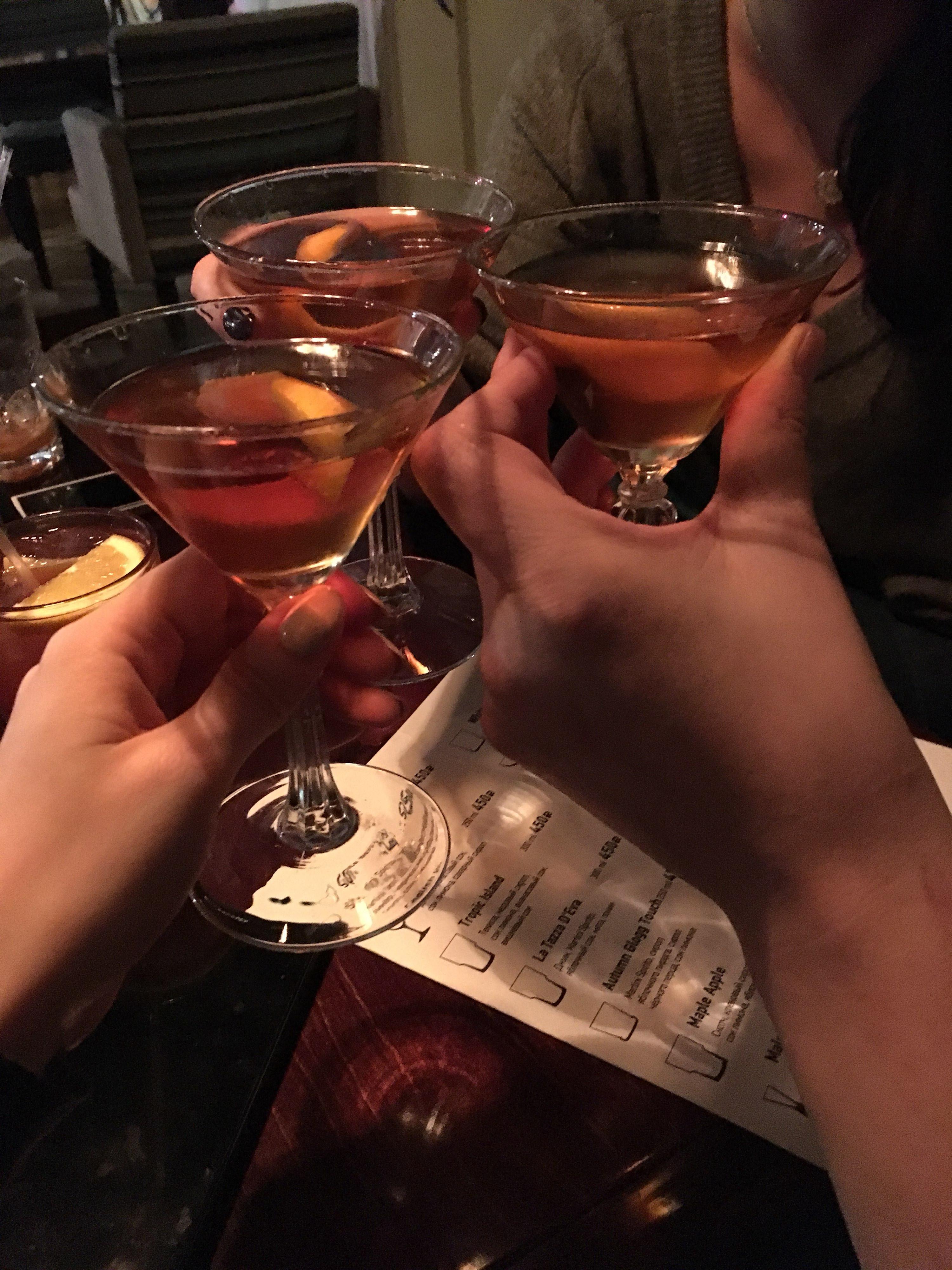 здесь фото алкоголя на столе в клубе выбора опции