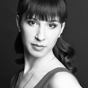 Александра Захарова