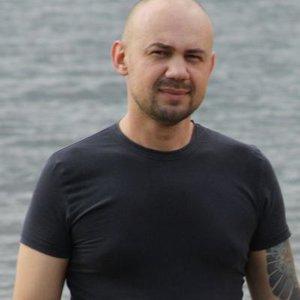 Денис Жарков