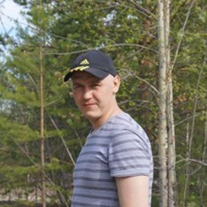 Александр Есин
