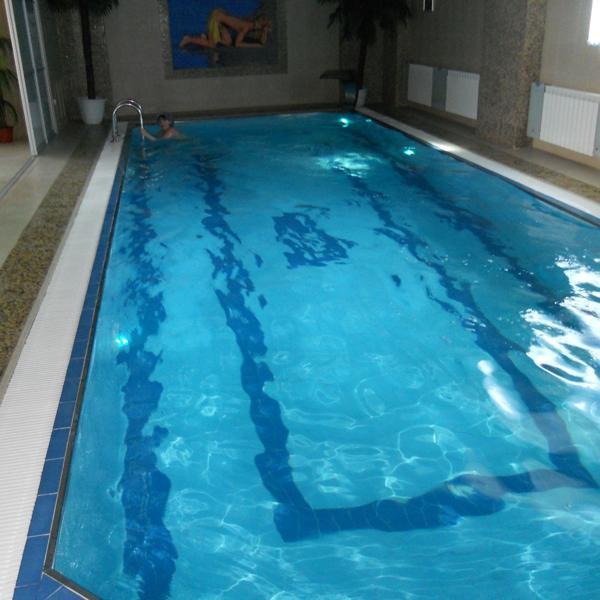 Вот такой большой бассейн!