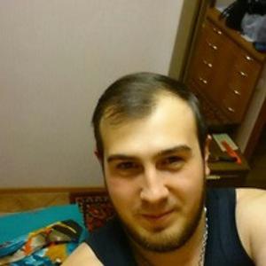 Максим Бандур