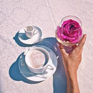 насладиться чаем в центре города) и просто насладиться атмосферой всегда приятно