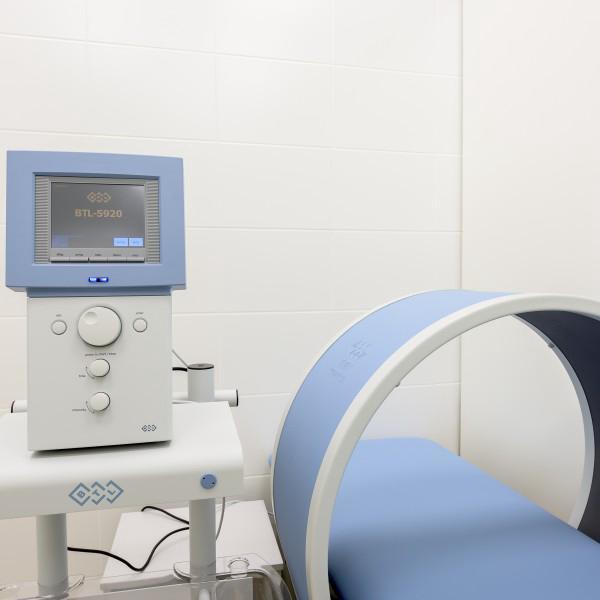 Отделение физиотерапии представляет собой удобные кабинеты с физиотерапевтической аппаратурой.