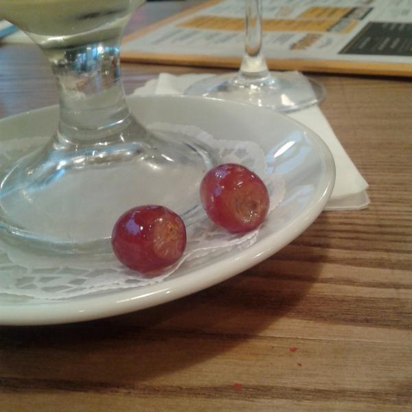 Вот такой вот виноград может попасться Вам в десерте! В безопасность других продуктов не вериться!